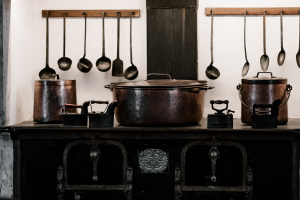 Read more about the article 10 Sustainable Kitchen Essentials